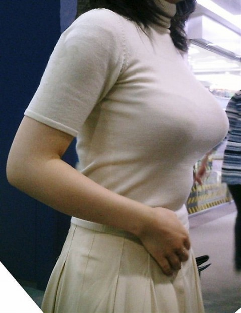 爆乳素人娘の着衣おっぱいエロ画像 1102