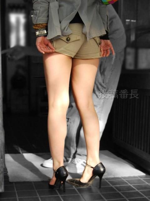 街撮りした素人娘の生足太ももエロ画像 133