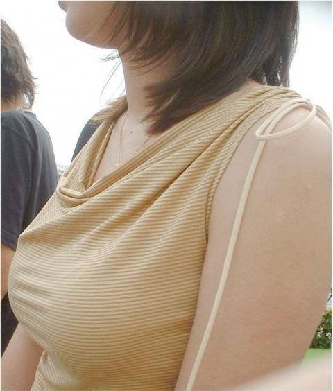 素人なのに巨乳なお姉さんの着衣おっぱいエロ画像 138