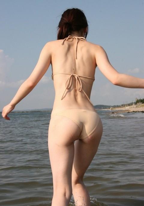 股間が熱くなる素人娘たちのビキニ姿の水着エロ画像 1512