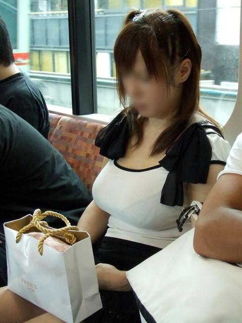 爆乳素人娘の着衣おっぱいエロ画像 2216
