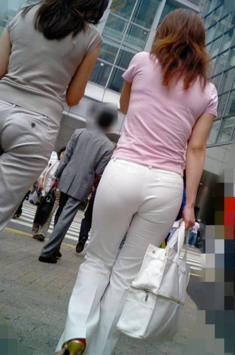 透けパンツや透けブラにちんこが反応する素人娘のお尻エロ画像 265