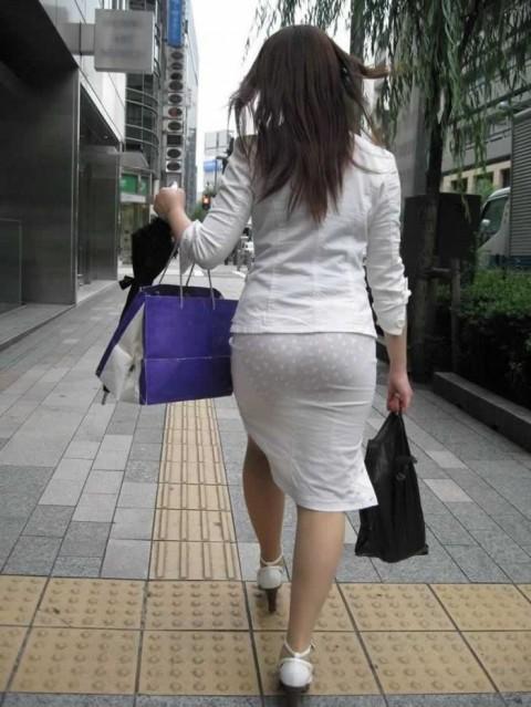 透けパンツや透けブラにちんこが反応する素人娘のお尻エロ画像 69
