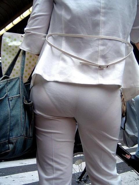 透けパンツや透けブラにちんこが反応する素人娘のお尻エロ画像 79