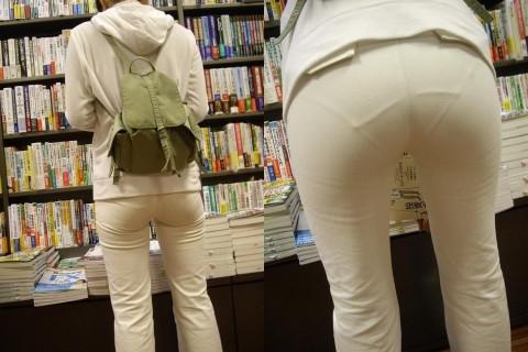 白パンツを履いた事で下着が透けてる街撮り素人のお尻エロ画像 012