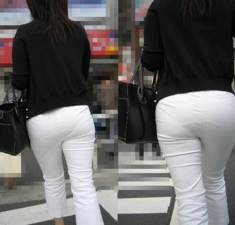 白パンツを履いた事で下着が透けてる街撮り素人のお尻エロ画像 182