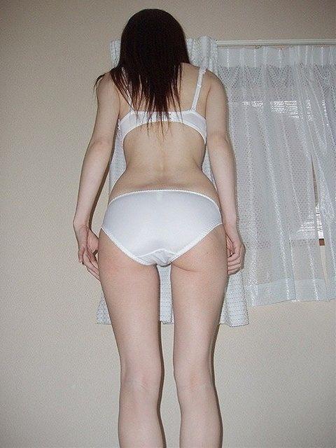 素人娘の下着姿が妙に興奮させるエロ画像 ero1217
