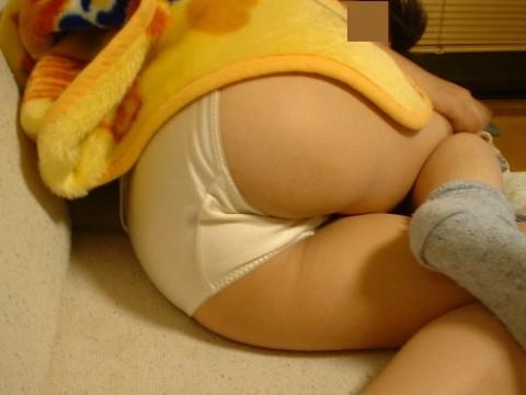 セックスした後に寝バックレする彼女を激写した素人エロ画像 ero1321