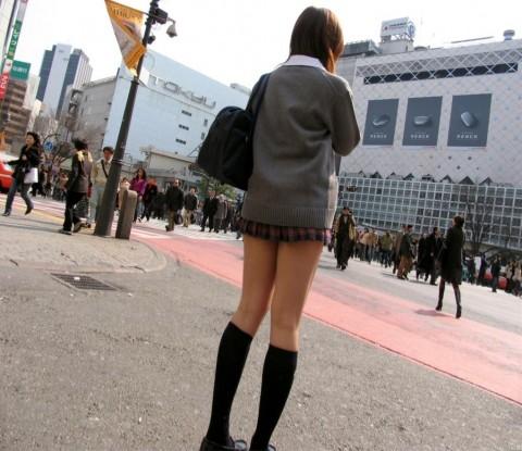 ガチ素人JKを街撮りした太ももが抜けるエロ画像 ero2216
