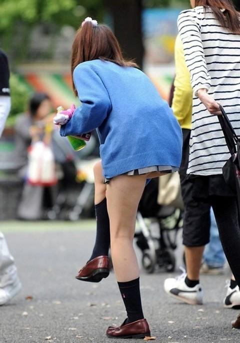 ガチ素人JKを街撮りした太ももが抜けるエロ画像 ero918