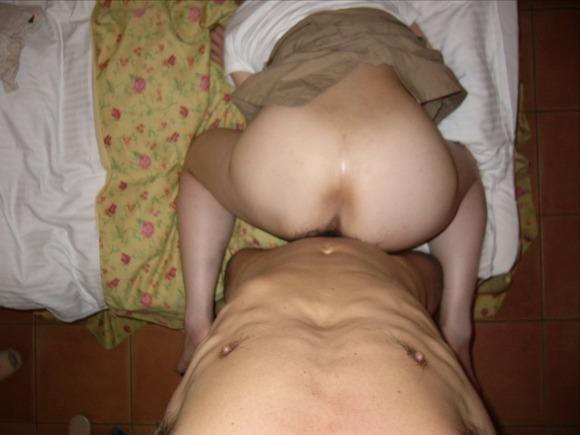 生々しさがヤバい素人娘の着衣セックスのハメ撮りエロ画像 1222