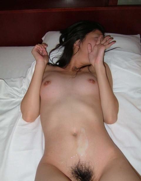 特濃ザーメンをこってりぶっかけられた素人娘のエロ画像 212