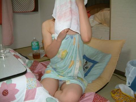 彼女のお風呂あがりの油断した姿をセフレや彼氏に撮られた素人エロ画像 219