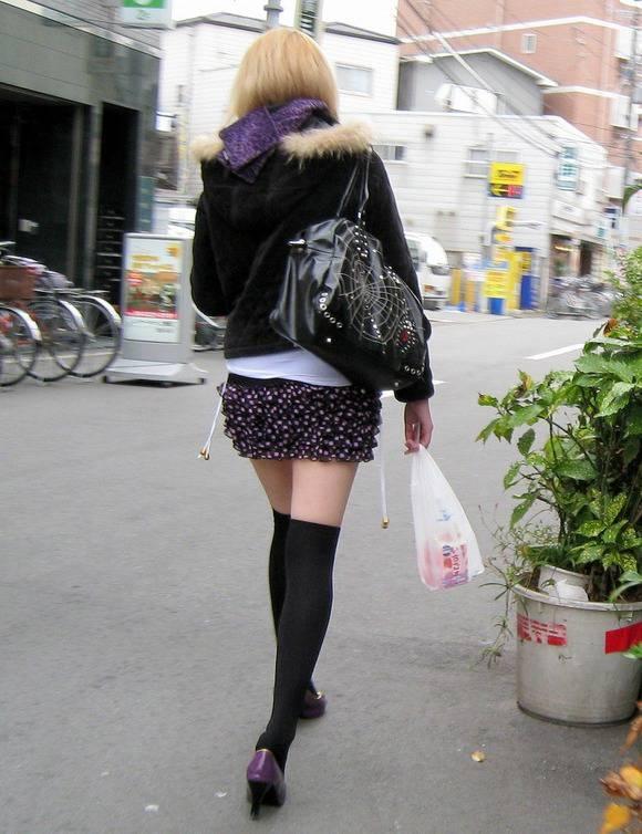 今夜のおかずになるとも知らずに街撮りされた素人娘のエロ画像 2237