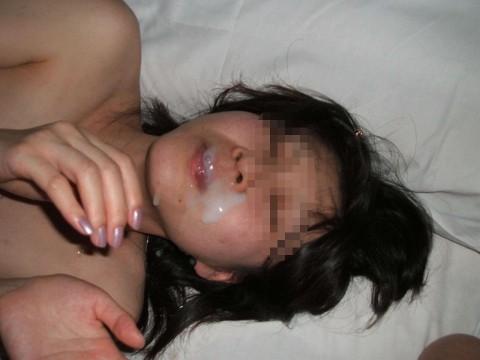 特濃ザーメンをこってりぶっかけられた素人娘のエロ画像 231