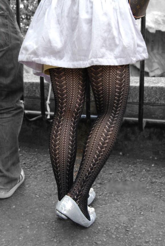 素人のお姉さんが履いてる網タイツがとってもセクシーなエロ画像 2462