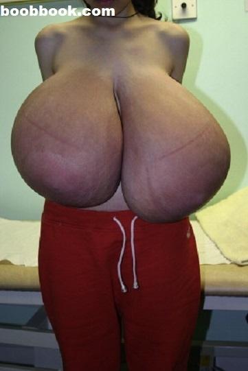 乳輪や乳房が異常に発達した素人娘の巨乳おっぱいエロ画像 3199