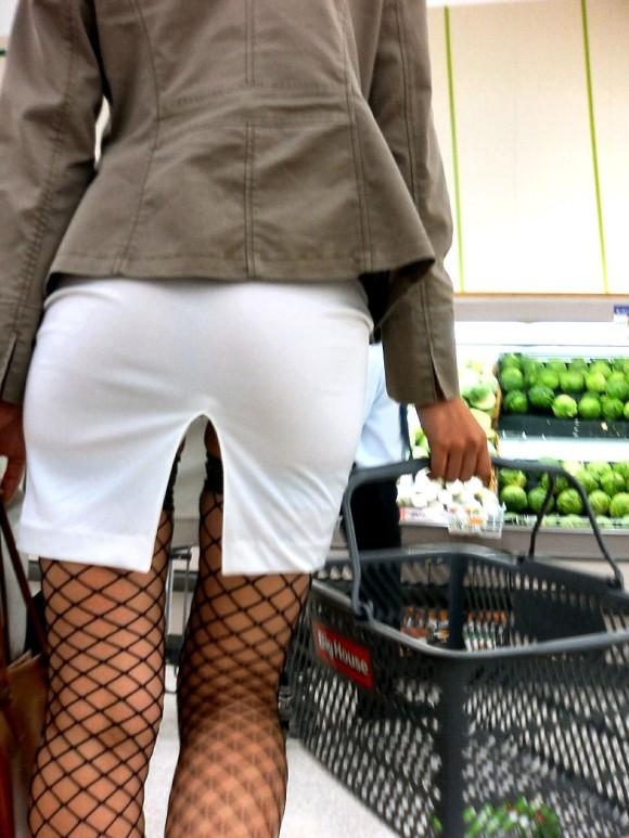 素人のお姉さんが履いてる網タイツがとってもセクシーなエロ画像 3350