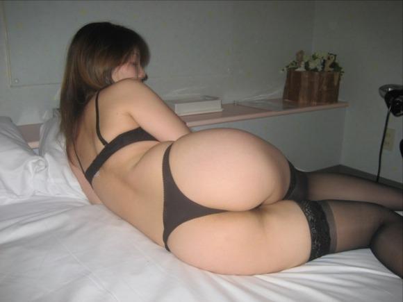 素人娘のTバック履いた姿が卑猥過ぎるエロ画像 3421