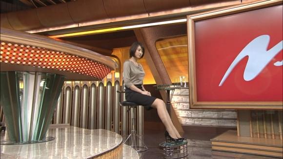 女子アナ大島由香里の服から溢れんばかりの着衣巨乳おっぱいエロ画像 1049