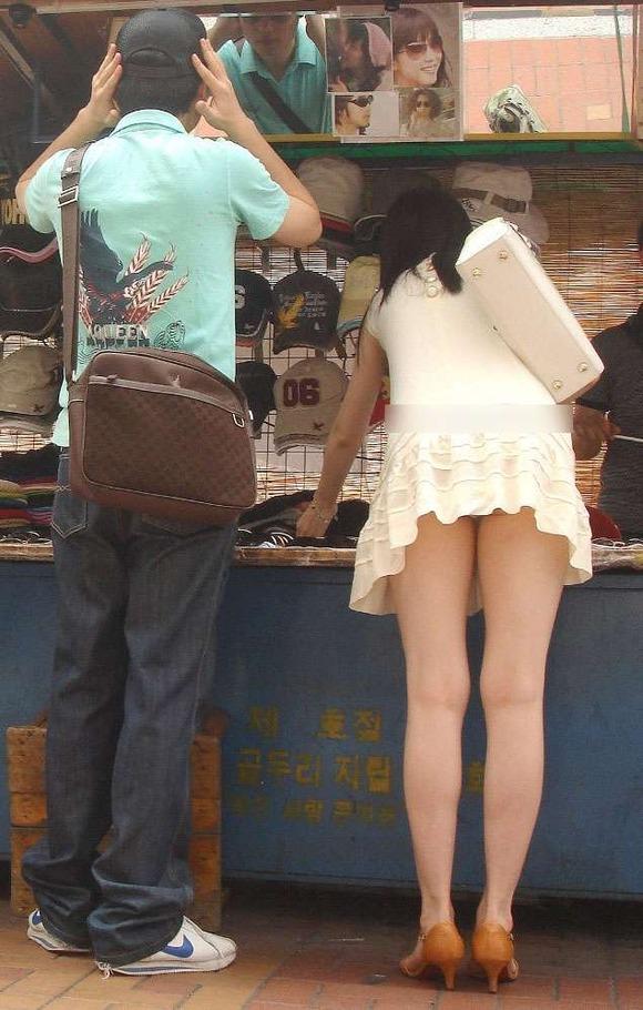 生足の素人女性が多い韓国の街撮りエロ画像 1162