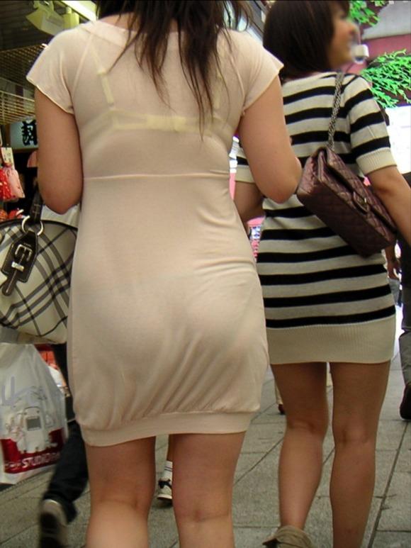 透けブラしてる素人娘の街撮りエロ画像 1182