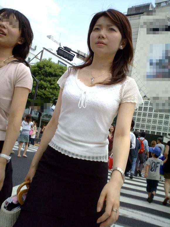 ただ服を着ただけの街撮り素人娘がめっちゃオナニーのおかずになってしまうエロ画像 1213