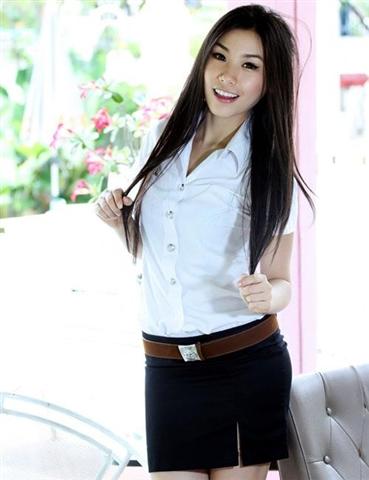 タイの女子大生が激カワ過ぎる素人エロ画像 13