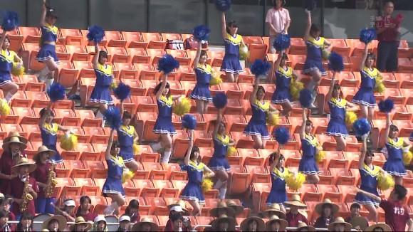 高校野球の応援席ではしゃぐ女子校生チアリーダーのエロ画像 13103