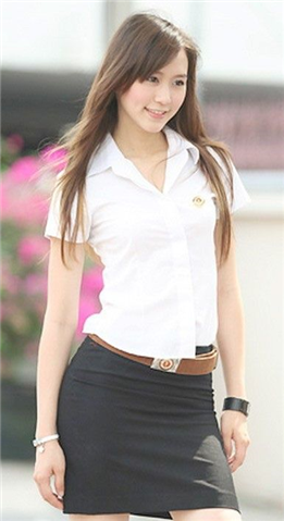 タイの女子大生が激カワ過ぎる素人エロ画像 14