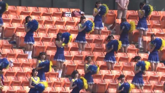 高校野球の応援席ではしゃぐ女子校生チアリーダーのエロ画像 14100