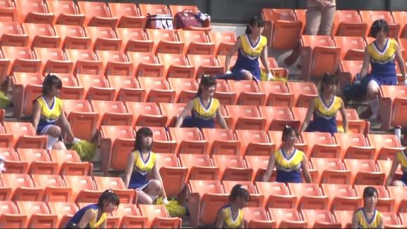 高校野球の応援席ではしゃぐ女子校生チアリーダーのエロ画像 15100