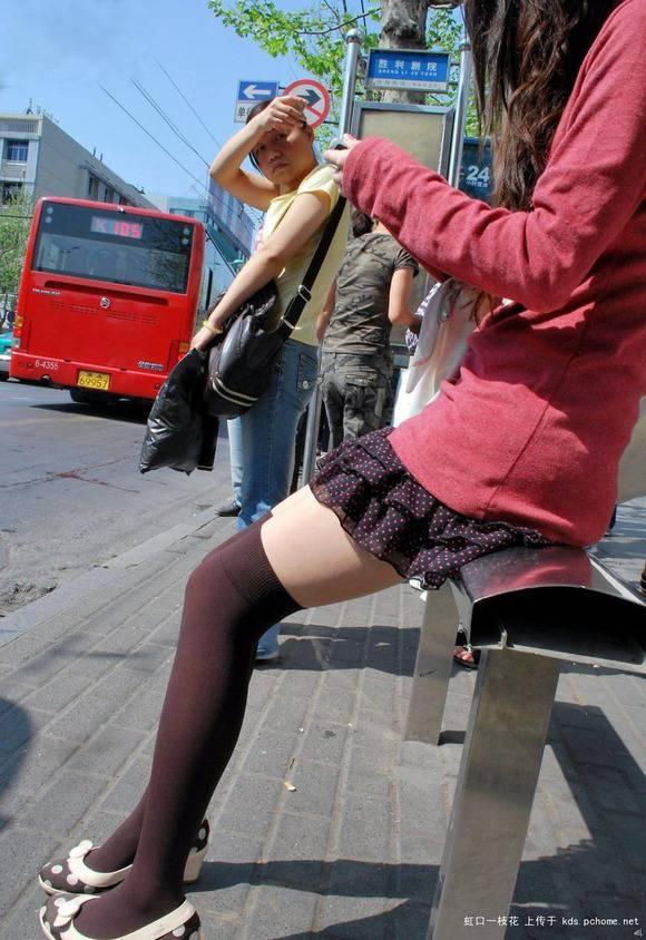ただ服を着ただけの街撮り素人娘がめっちゃオナニーのおかずになってしまうエロ画像 1511