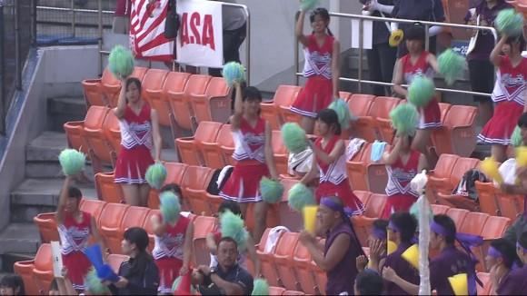 高校野球の応援席ではしゃぐ女子校生チアリーダーのエロ画像 16100