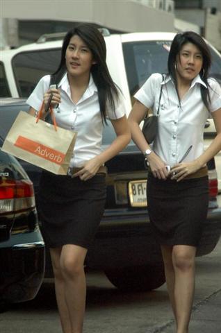 タイの女子大生が激カワ過ぎる素人エロ画像 17