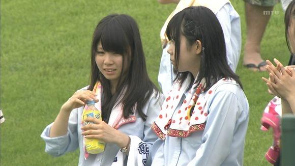 高校野球のテレビ放送で映った女子校生達の素人エロ画像 21105