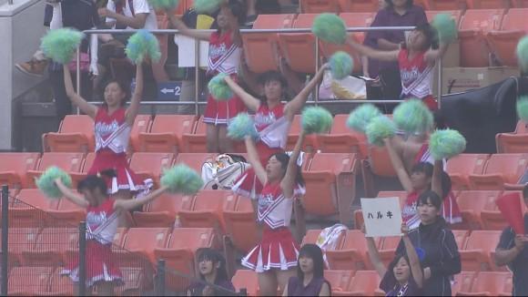 高校野球の応援席ではしゃぐ女子校生チアリーダーのエロ画像 21133