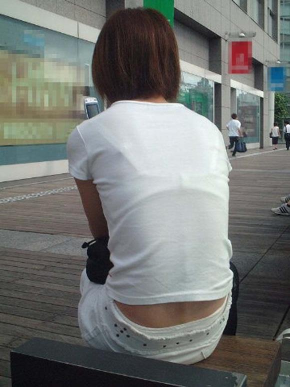 透けブラしてる素人娘の街撮りエロ画像 2182
