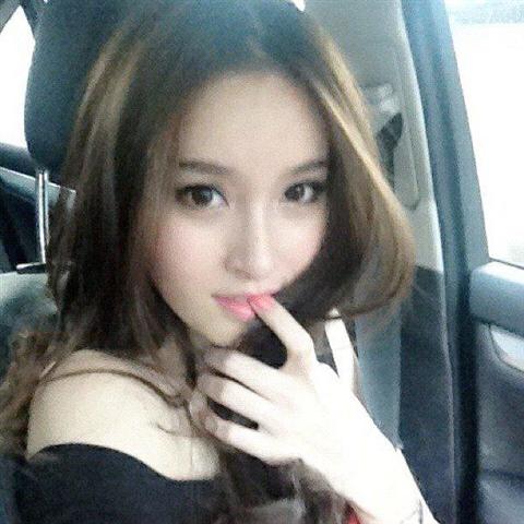 タイの女子大生が激カワ過ぎる素人エロ画像 22