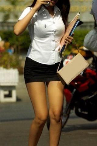 タイの女子大生が激カワ過ぎる素人エロ画像 2360