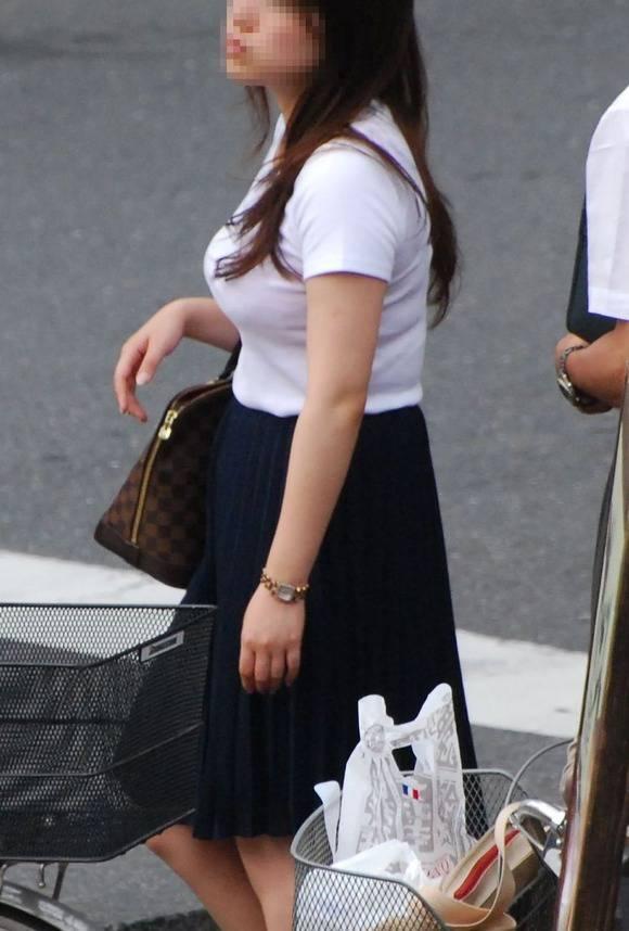 ただ服を着ただけの街撮り素人娘がめっちゃオナニーのおかずになってしまうエロ画像 2411