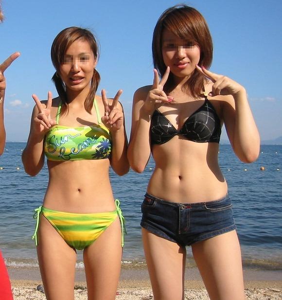 ビーチではしゃぐビキニ娘達が激写されネット投稿されてる抜ける素人エロ画像 2427