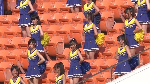 高校野球の応援席ではしゃぐ女子校生チアリーダーのエロ画像 2489