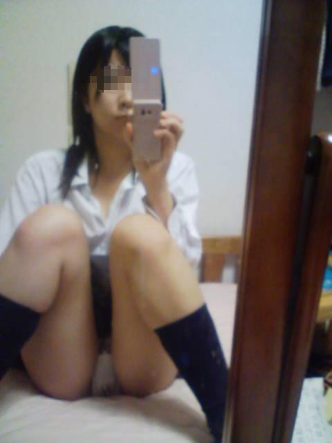 女子校生がSNSに投稿したおふざけしてるエロ画像 2590