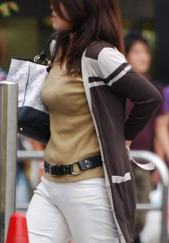 ただ服を着ただけの街撮り素人娘がめっちゃオナニーのおかずになってしまうエロ画像 2710