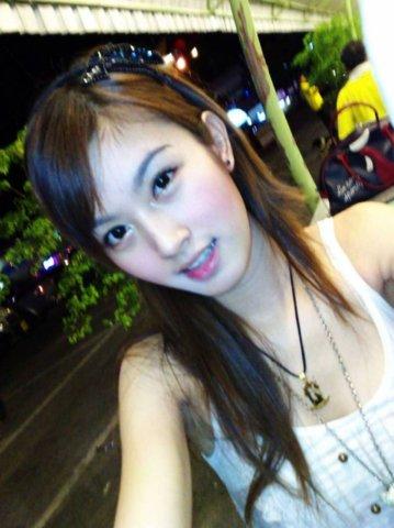 タイの女子大生が激カワ過ぎる素人エロ画像 2758