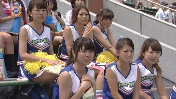 高校野球の応援席ではしゃぐ女子校生チアリーダーのエロ画像 2786