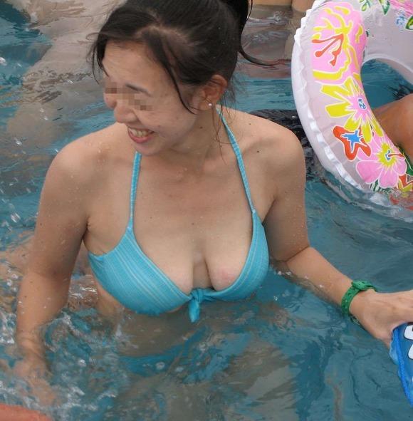 ビーチではしゃぐビキニ娘達が激写されネット投稿されてる抜ける素人エロ画像 2825