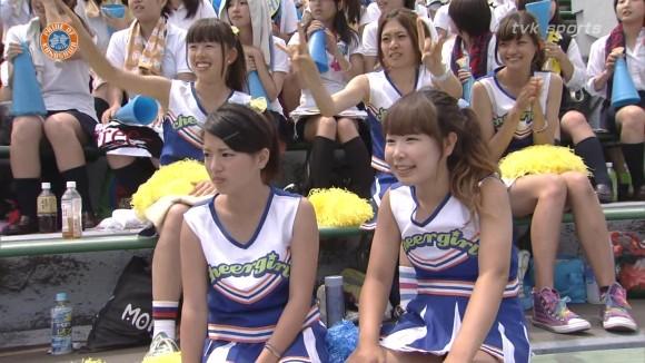 高校野球の応援席ではしゃぐ女子校生チアリーダーのエロ画像 2882