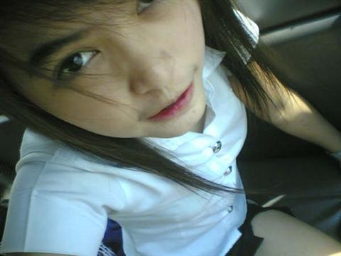 タイの女子大生が激カワ過ぎる素人エロ画像 29